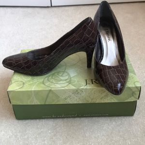 NWT and box brown snakeskin pump